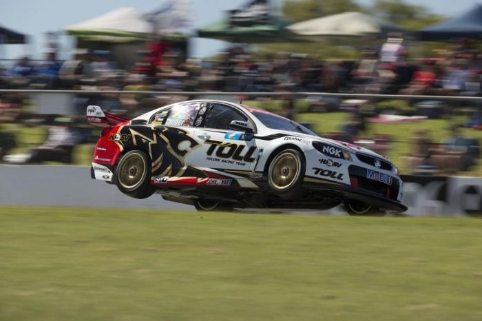 Who Is The Winner In V8 Supercars Championship Pouted Com Super Cars V8 Supercars Touring Car Racing