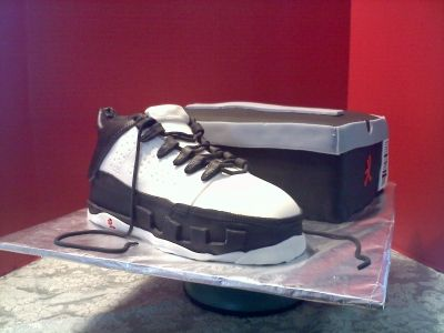 Jordan Shoe Cake and Box. By tpcltcclc on CakeCentral.com