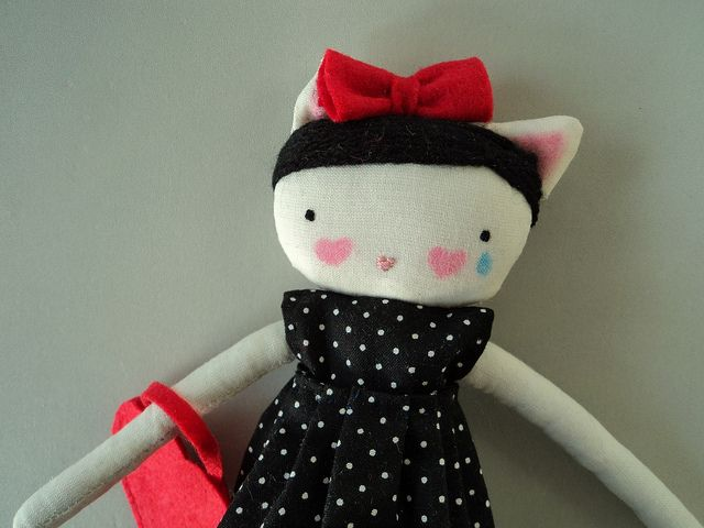 kitty with red bow by Las sandalias de Ana#Repin By:Pinterest++ for iPad#