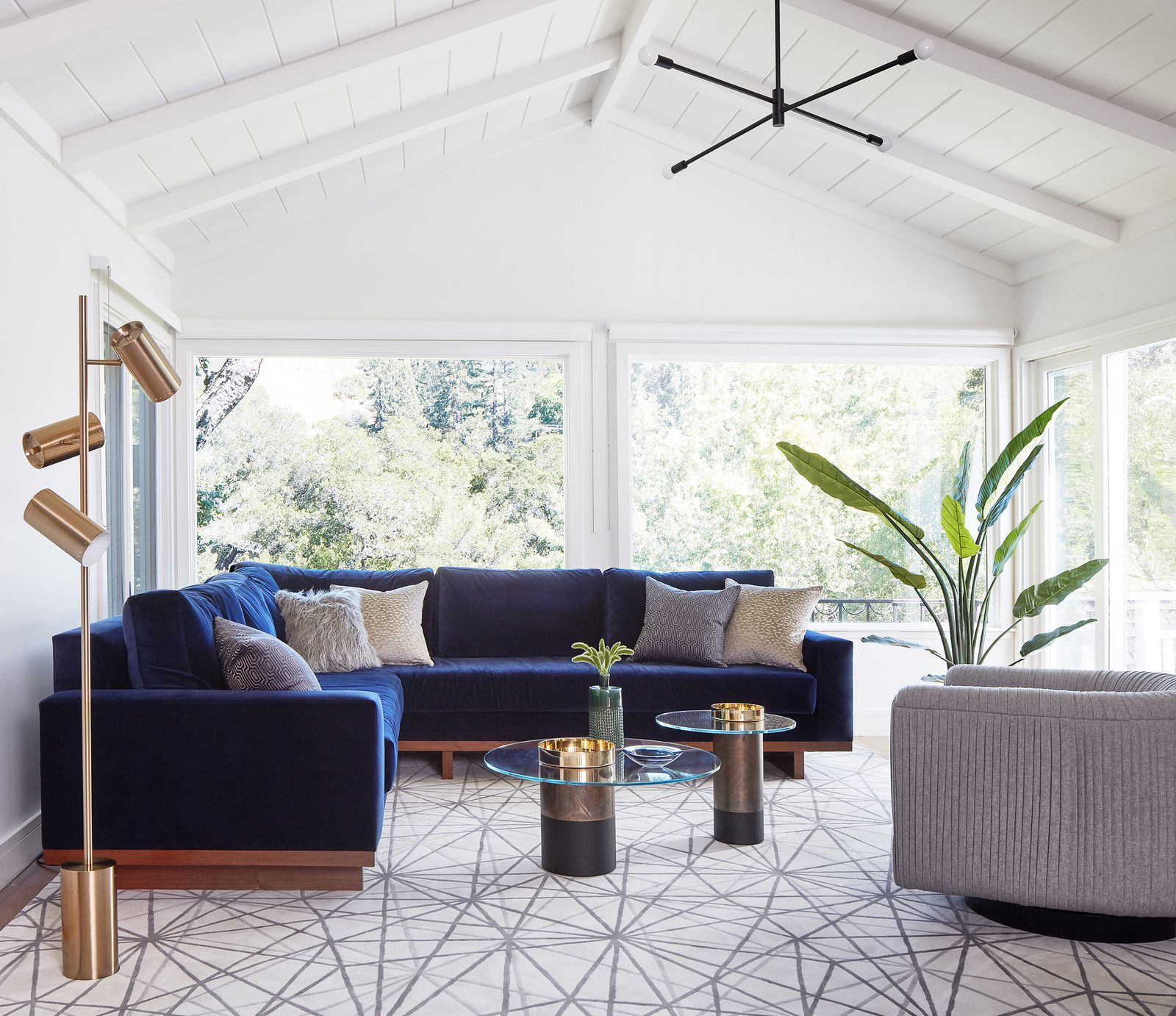 Tour A Mid-Century Modern Home In California With Its Own