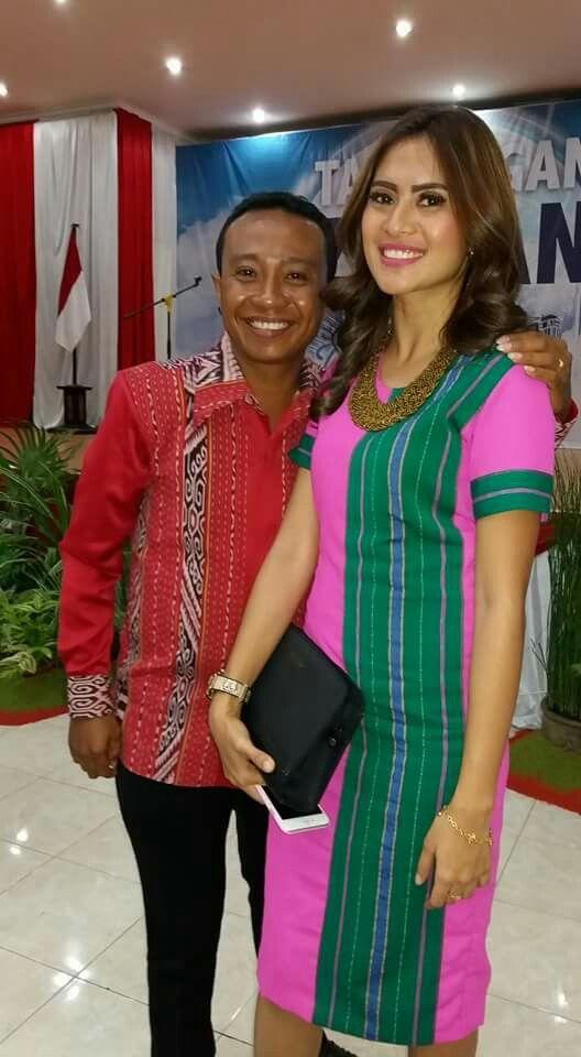Model Baju Tenun Nusa Tenggara Timur