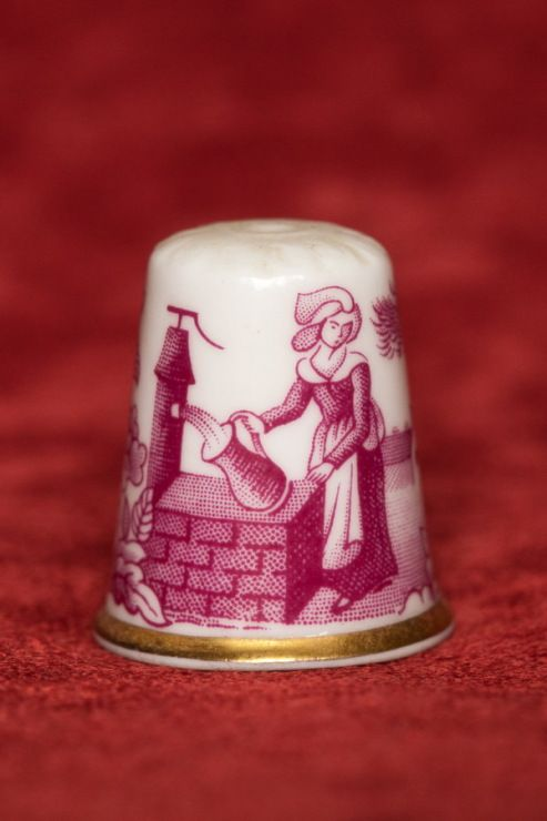 Gallery.ru / Фото #1 - Franklin Mint - Thimbles of the Worlds' Porcelain Houses - Joniks
