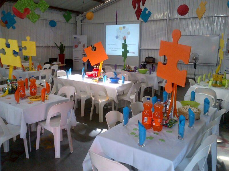 Puzzle party decor pollie van pretoria pinterest for Decoration crossword clue