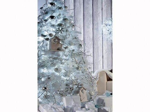Un sapin blanc comme givr noel deco no l for Deco sapin blanc