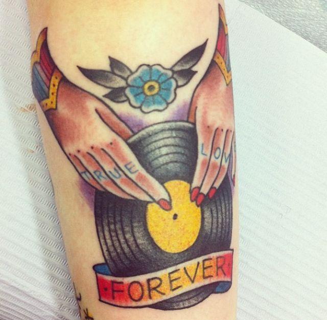 Vinyl Record Tattoo Traditional Tattoos Pinterest