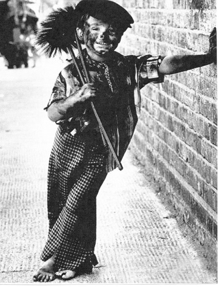 4 Years Old Tommy Stafford Dressing Up As A Chimney Sweep Apprentice Which Was Very Common At The Time Because They Could Fit In Chim Lewis Hine History Photo