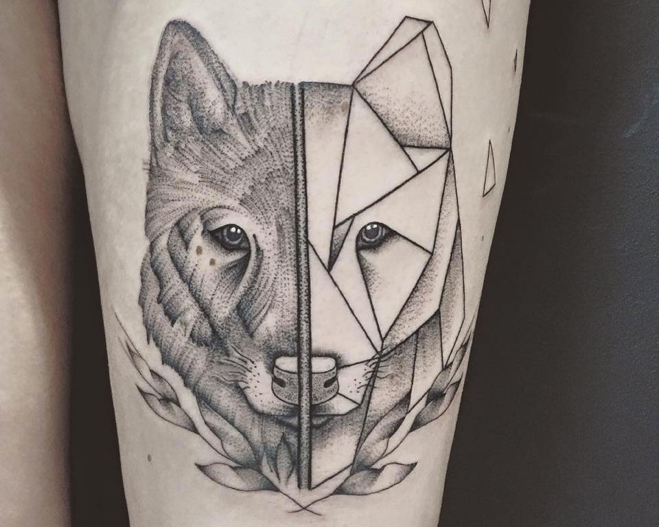 tattoo by arxe wolf polygon minimalist tattoo animal tatouages homme pinterest. Black Bedroom Furniture Sets. Home Design Ideas
