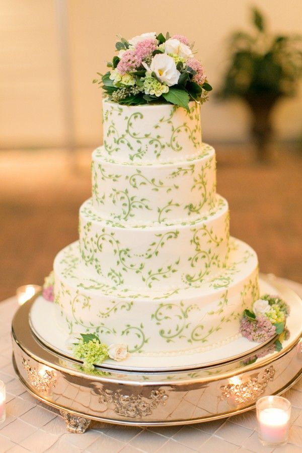 wedding cakes with vines and flowers tiered wedding cake with green vine detailing 26133