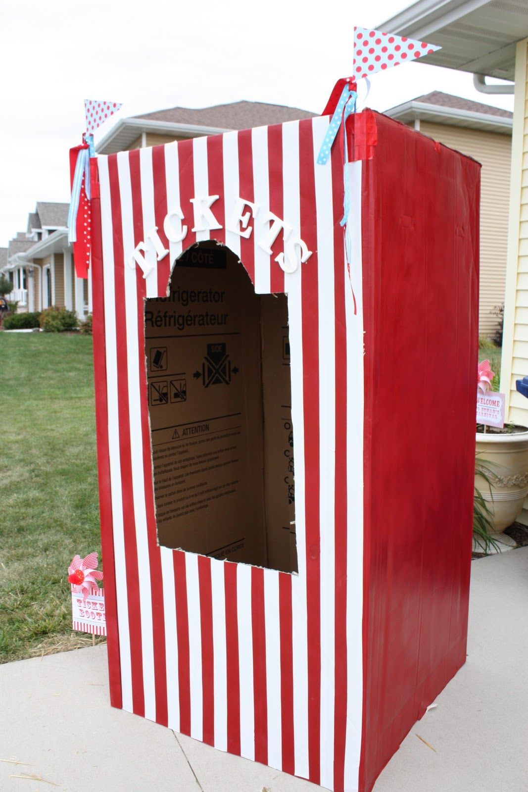 Circus party & Vintage Carnival Birthday Party Ideas | Refrigerator Carnival and Box