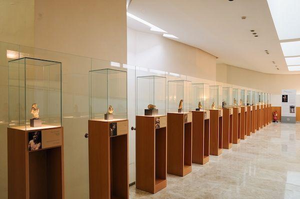 Vitrinas de la sala de los bocetos museo salzillo - Vitrinas de exposicion ...