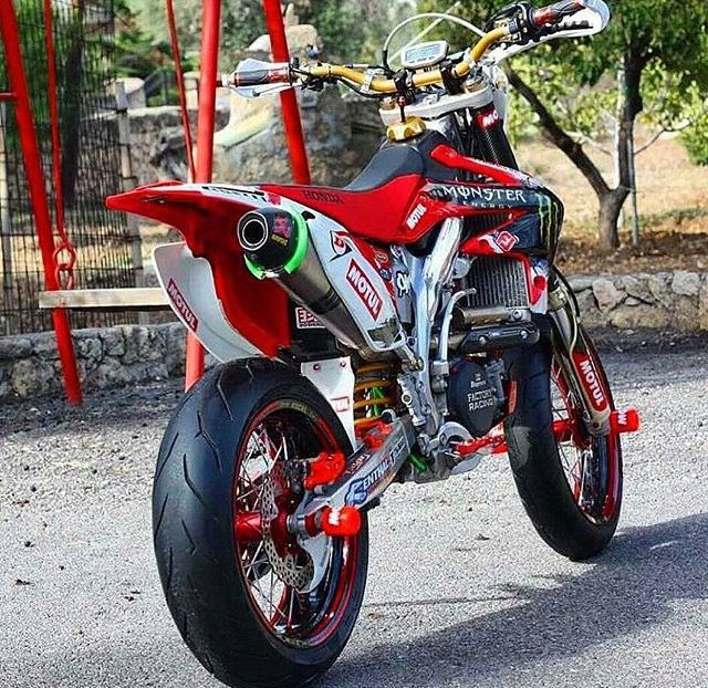 yamaha supermoto supermotard road dirt bike pinterest motard moto et angles. Black Bedroom Furniture Sets. Home Design Ideas