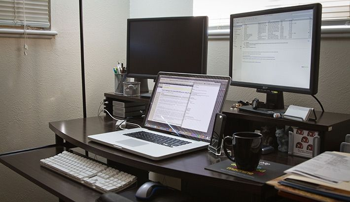 Tips for setting up your home office without breaking the - Small office setup ideas ...