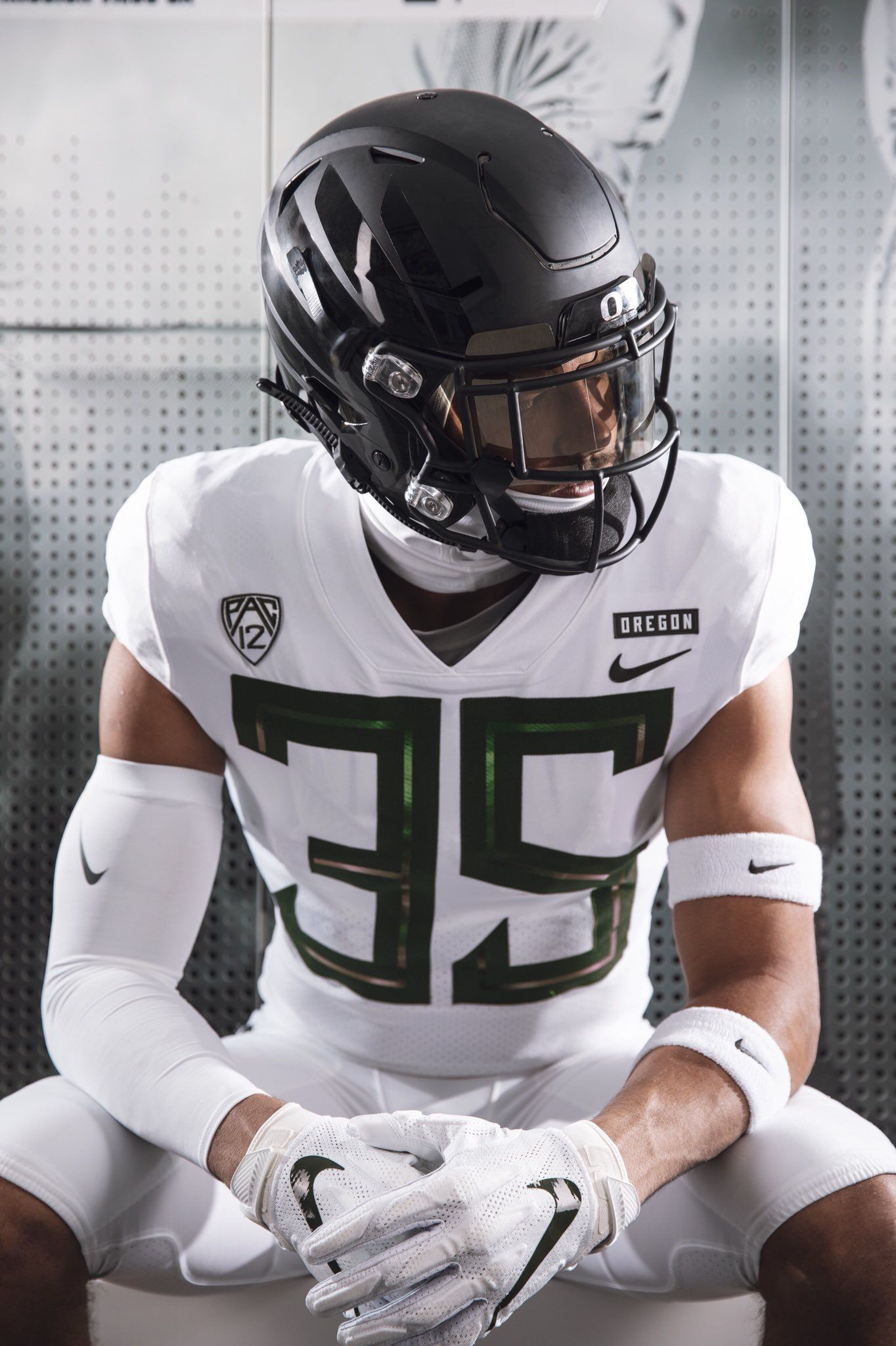 Pin By Gabe Sinor On Football Concepts Oregon Football