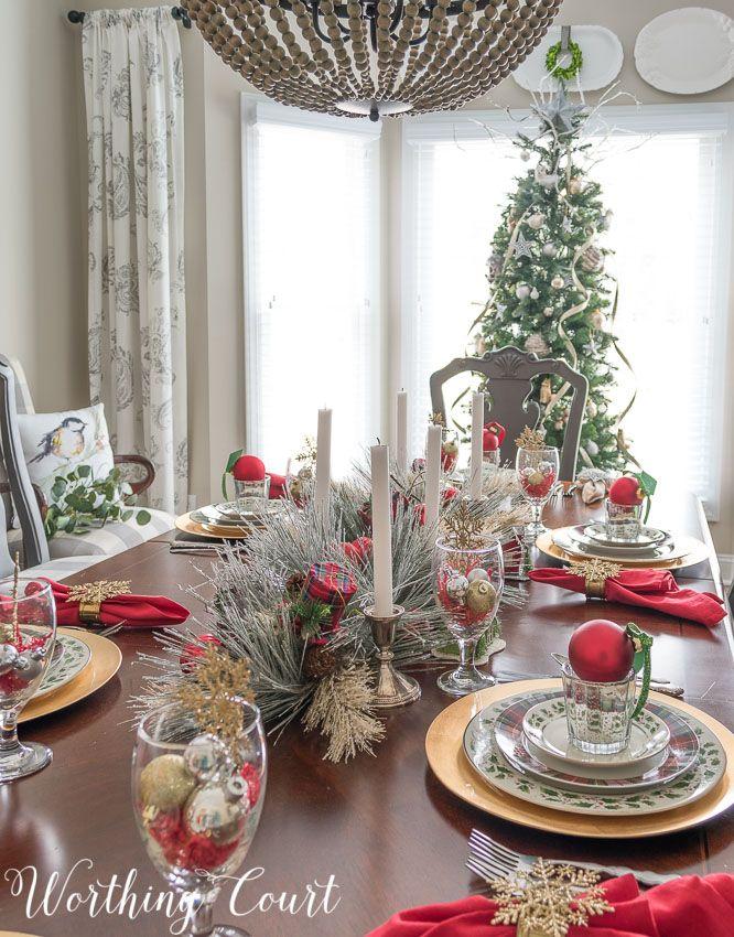 Cozy And Elegant Christmas Dinner Tablescape   Elegant ...