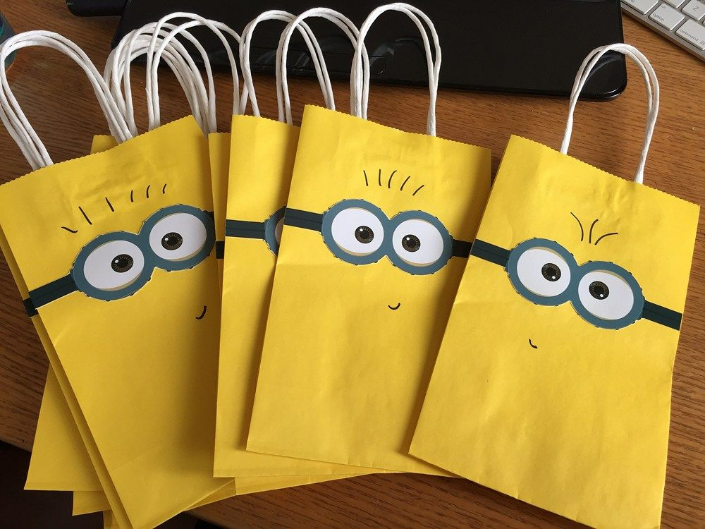 minion birthday party paper goodie bags. Black Bedroom Furniture Sets. Home Design Ideas