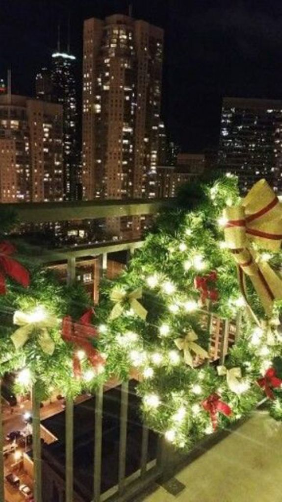 17 refreshing christmas balcony decor ideas with images christmas apartment christmas on christmas balcony decorations apartment patio id=88308
