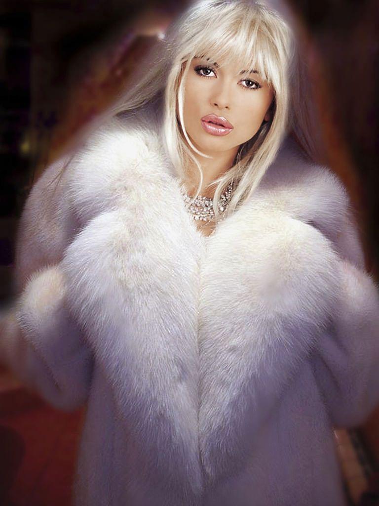 FMF Veronica Zemanova White Fox and Mink coat | White fox, Mink and ...