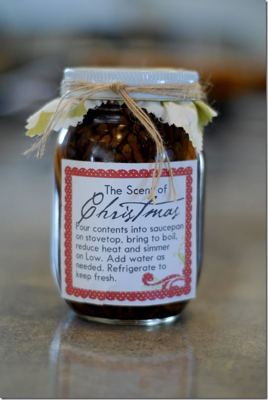 The Scent of Christmas Jar contains 2 lemon wedges, 1 lime slice, 2 orange slices, 3 cinnamon sticks, 2-3 Tbsp. whole cloves, 3 bay leaves.  Pour contents into saucepan on stovetop and simmer   on low heat, add water as needed.   Refrigerate to keep fresh.
