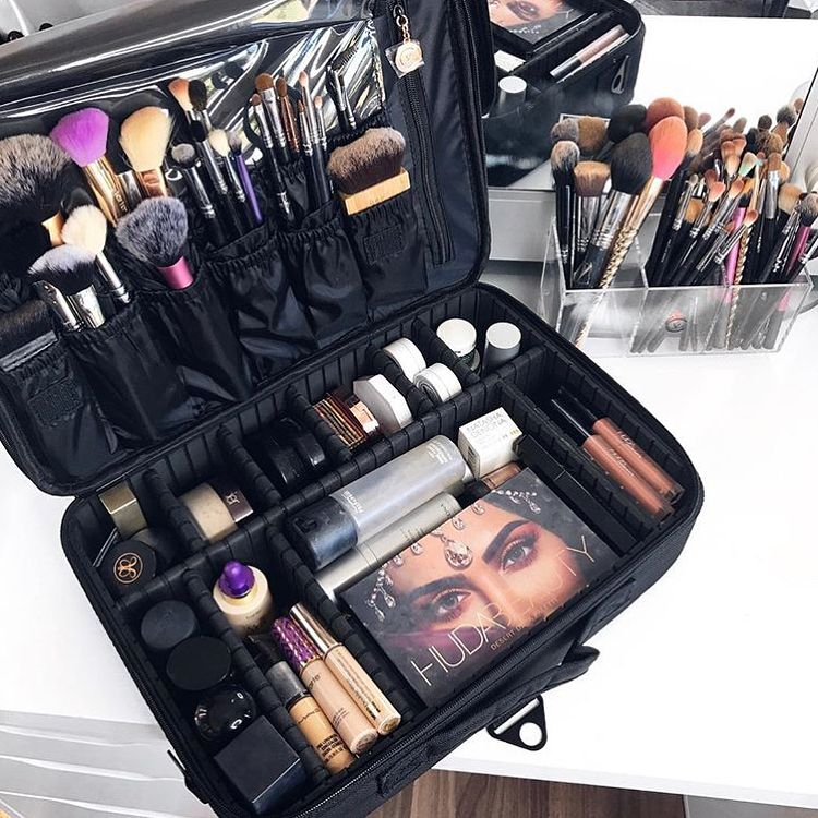 Black Makeup Bag in 2020 Makeup bag organization, Makeup