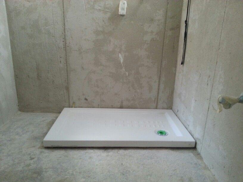 Montaggio di piatto doccia di cm ristruttura felice