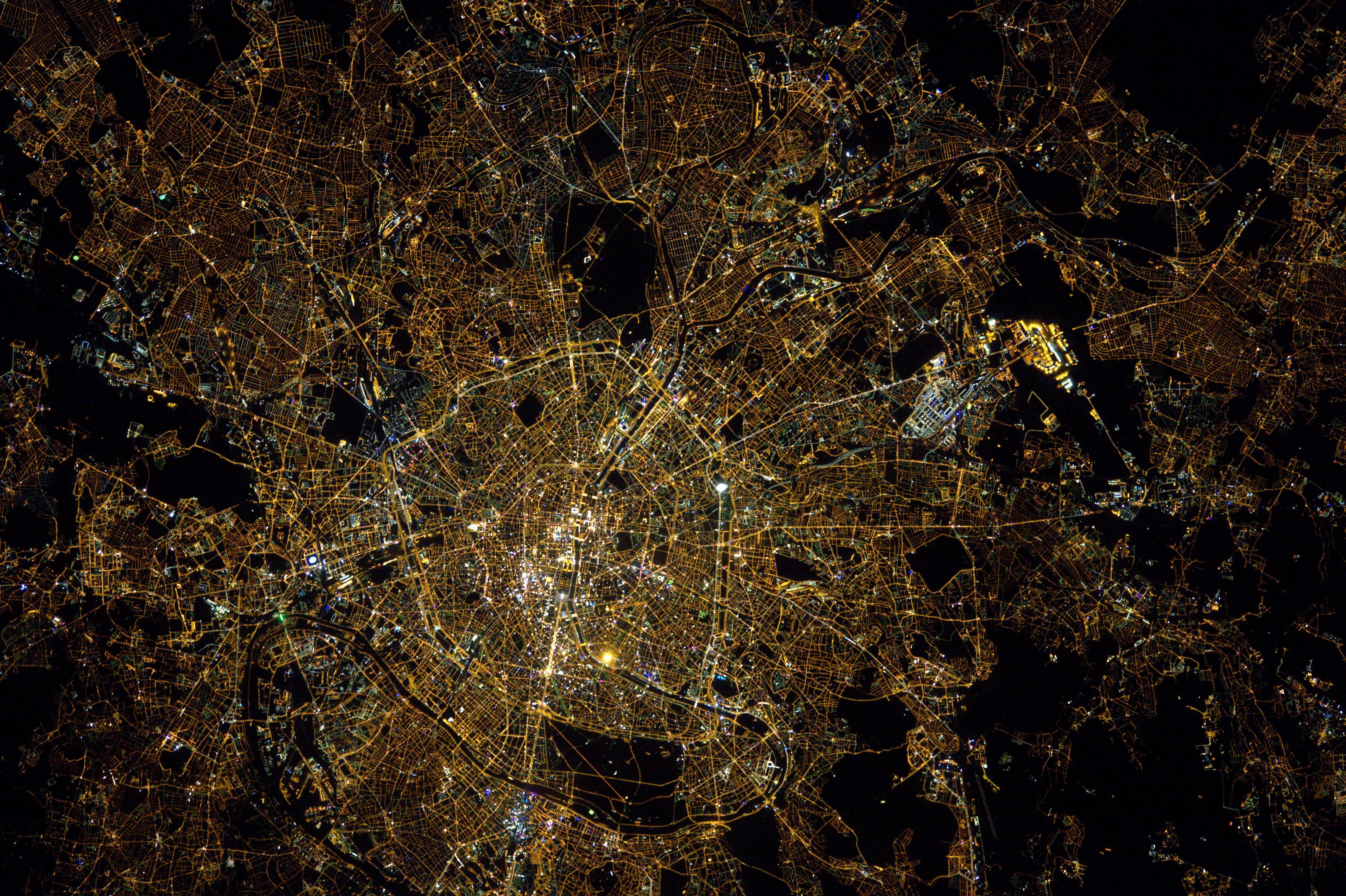 Thomas pesquet astronaute fran ais sur l 39 iss paris for Iss espace vert