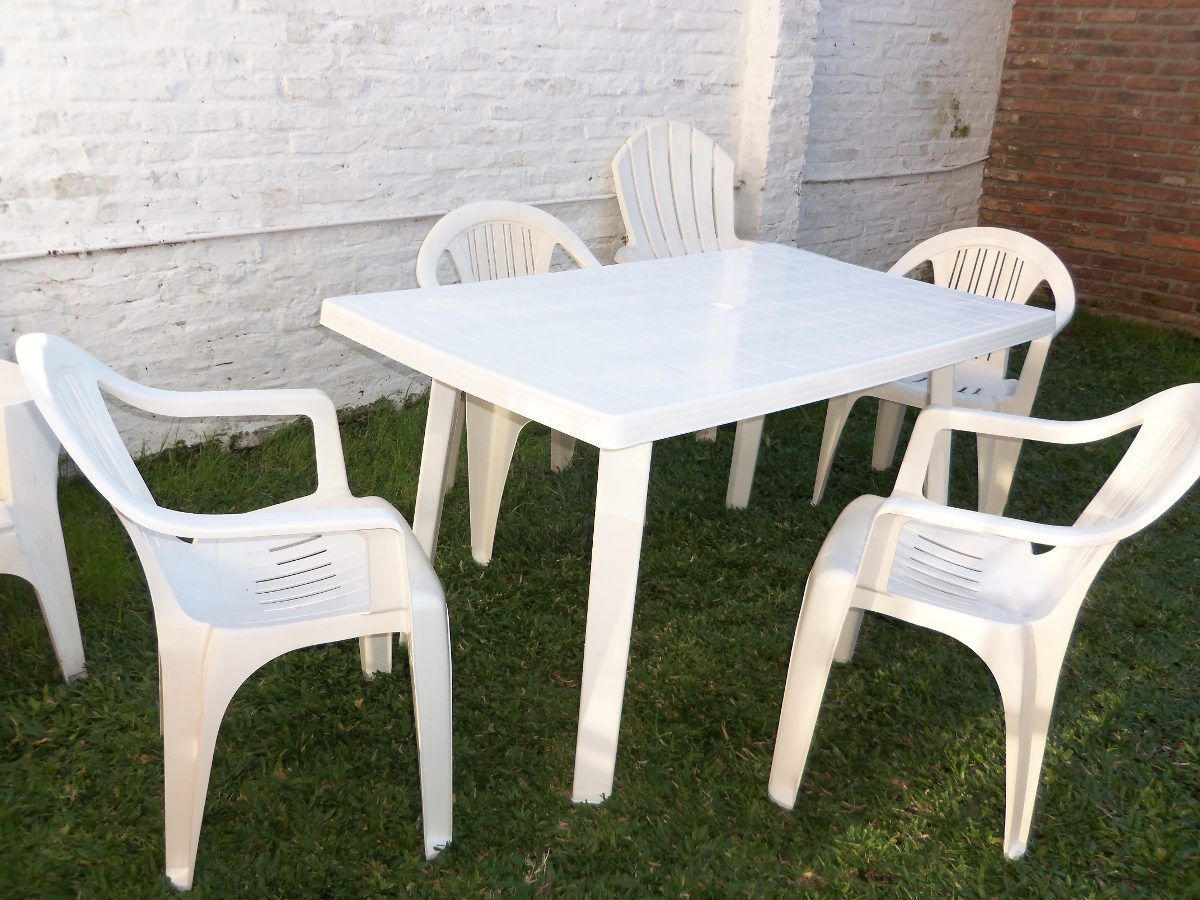 Mesa plastica cuadrada y 4 sillas plasticas super for Sillas plasticas comedor
