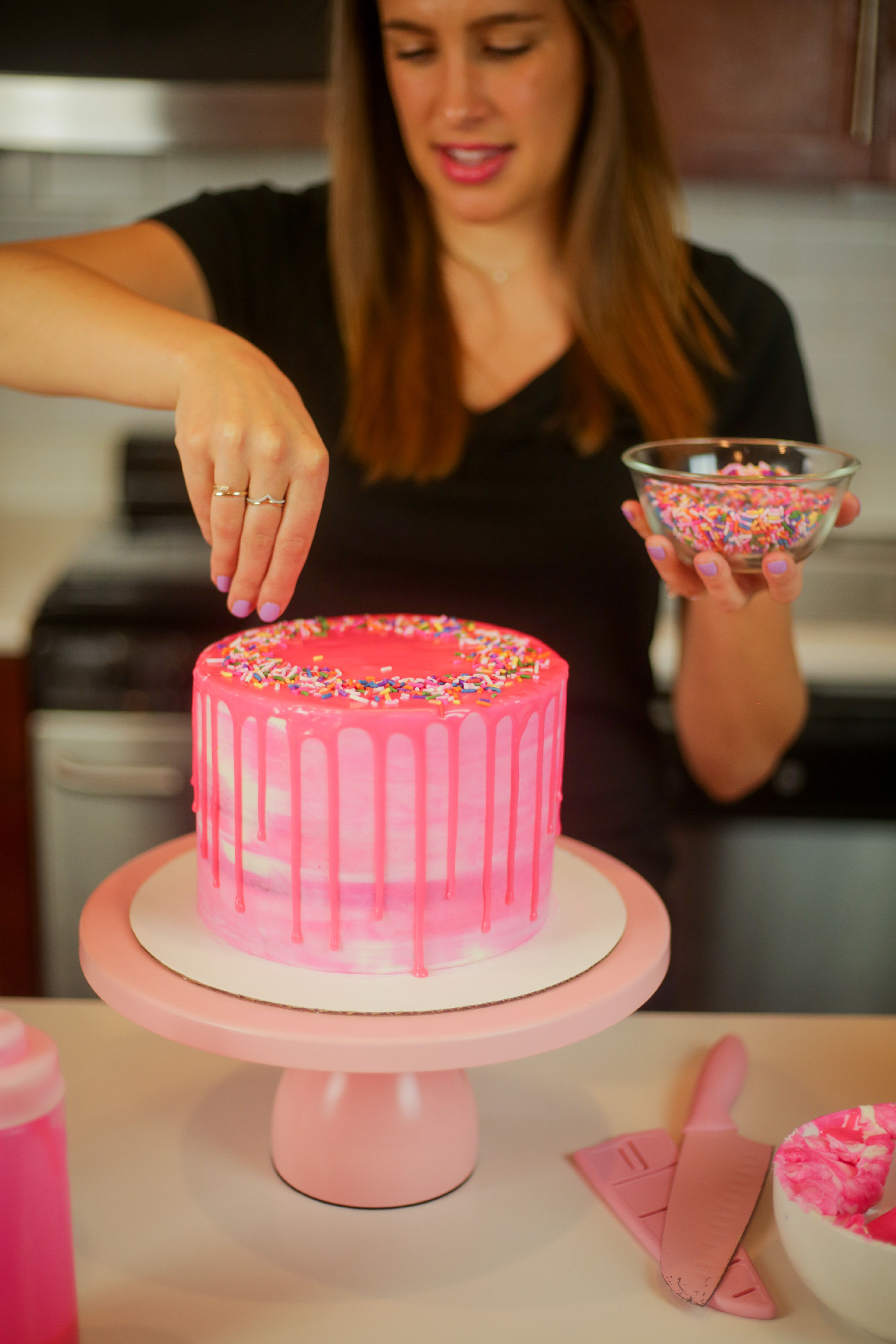 Chelsweets Decorating A Pink Cake