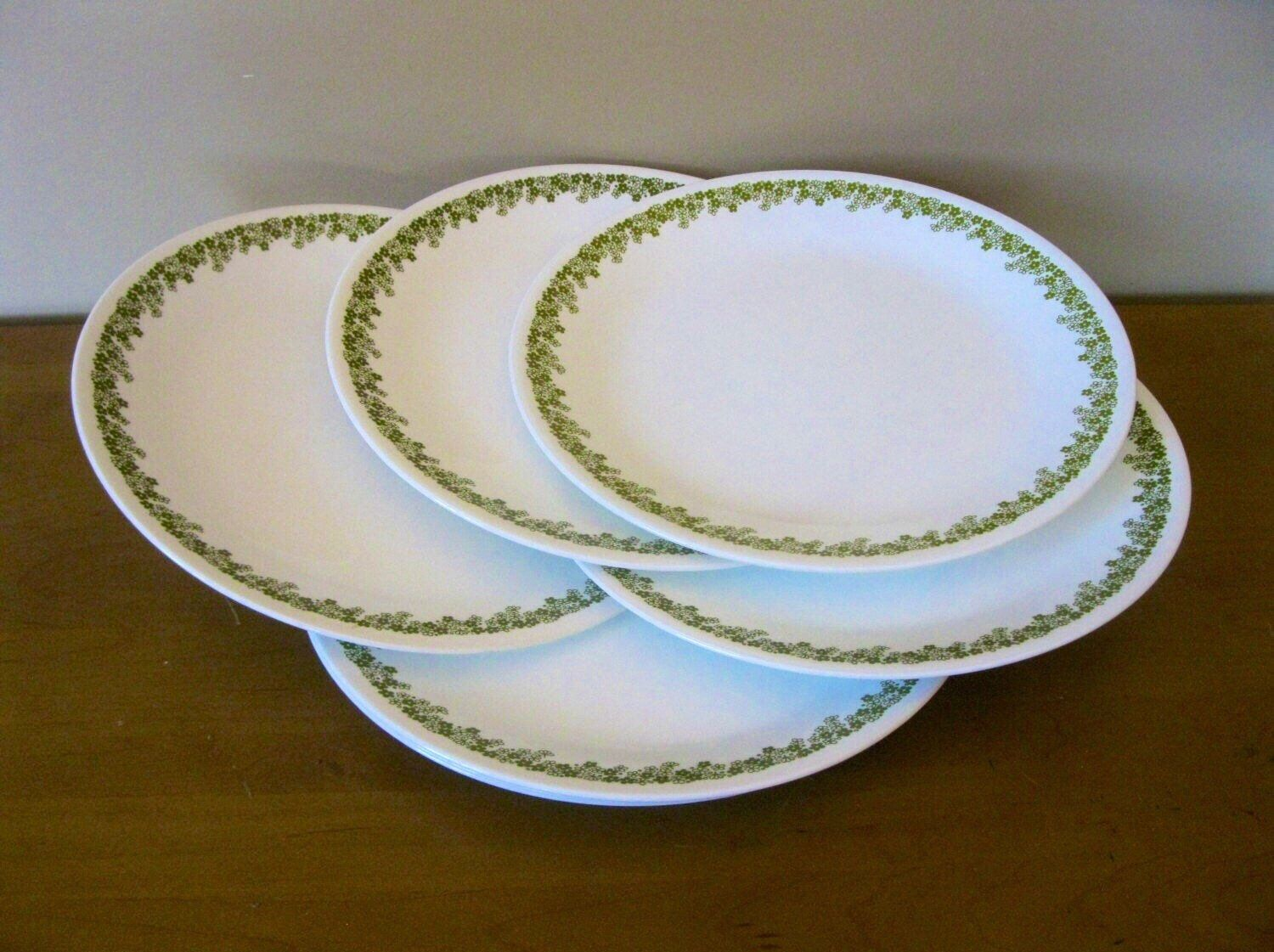 green and black daisy plates small square plates with flowers in yellow