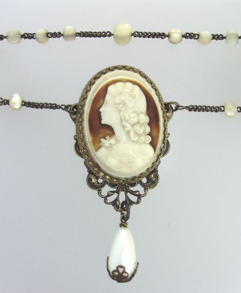 Antique Italian CAMEO on FRENCH Mother of PEARL Beads Necklace-n-camdr