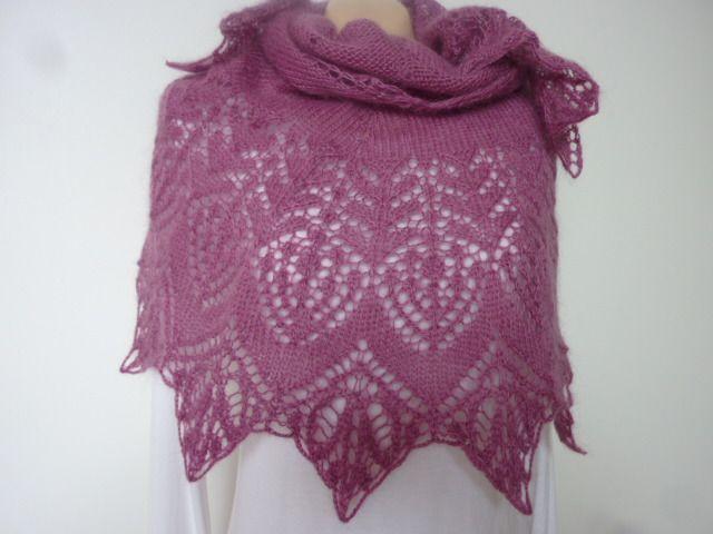 Châle vieux rose, large bordure dentelle ajourée, tricoté main ...