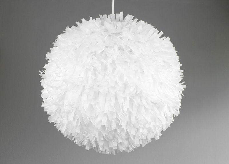 Babyzimmer Deckenlampe ~ Pompom lampe weiß von lieblich auf dawanda.com babyzimmer
