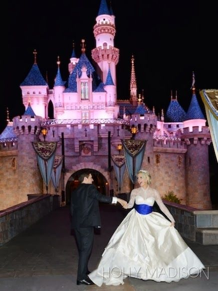 Holly Madison S Blue Bayou New Orleans Square Disneyland Wedding This Fairy Tale Life Disneyland Wedding Disney Wedding Holly Madison