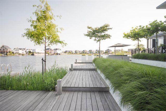 Luxe villatuin aan het water tuin pinterest garden garden