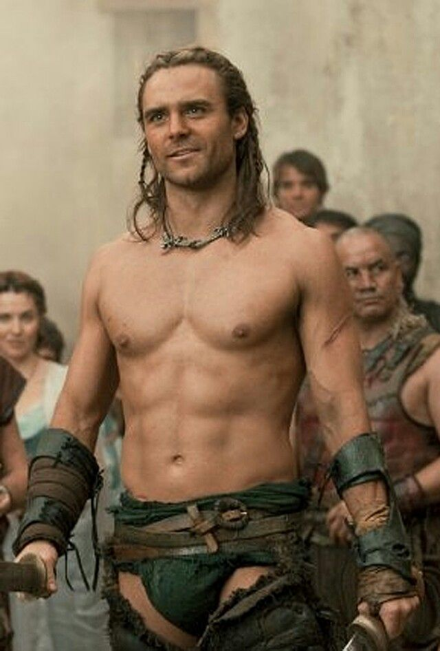 Dustin Clare as Gannicus Spartacus: Gods of the Arena | Yicks ...