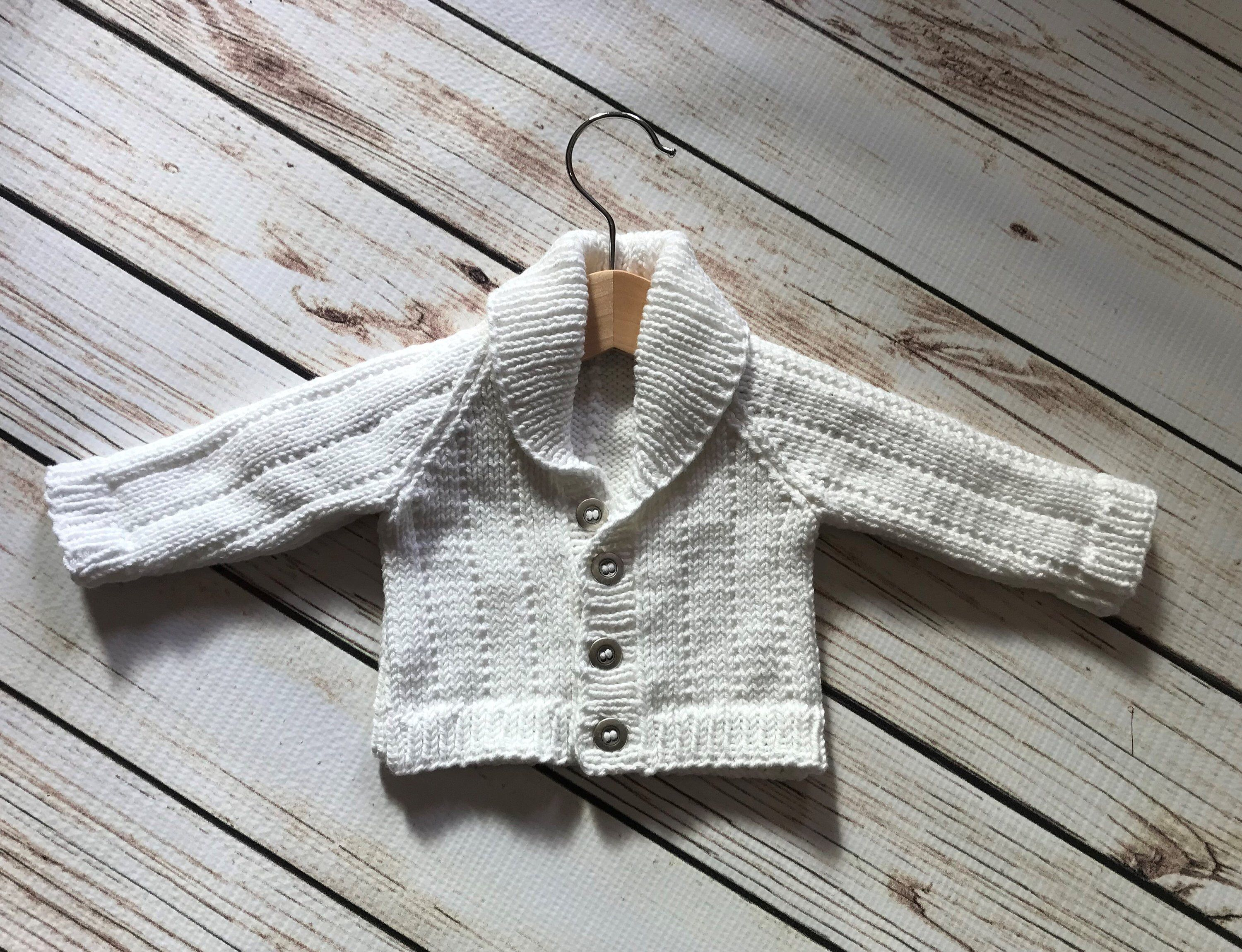 BRAND NEW HAND KNITTED BABY BOYS  WHITE ARAN CARDIGAN WITH COLLAR