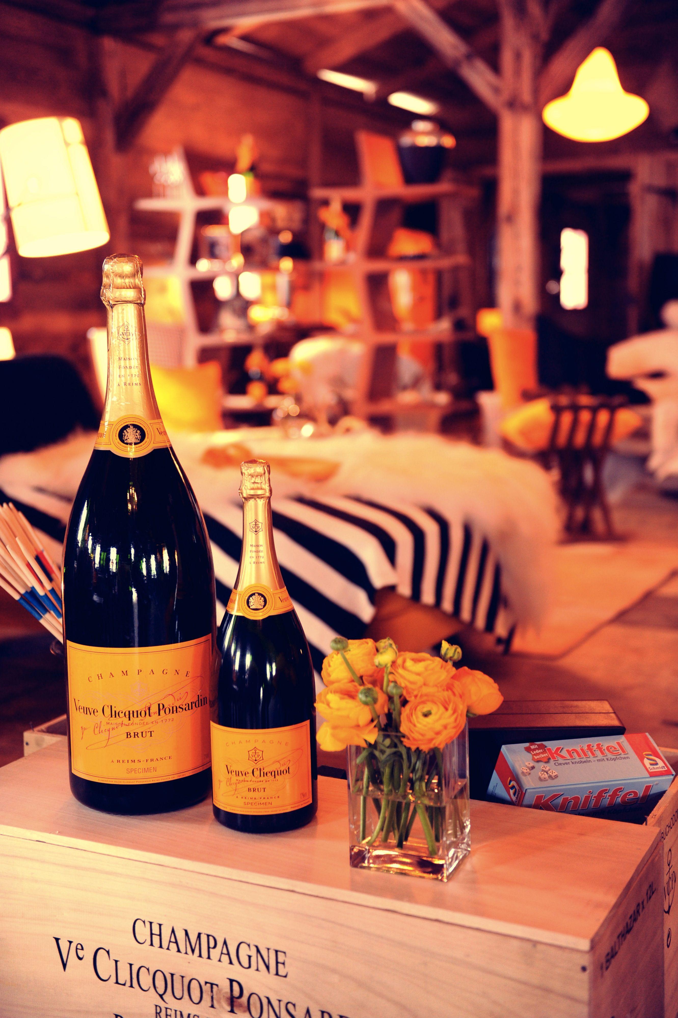 Veuveclicquot Champagne Bubbles Veuve Clicquot Champagne Champagne