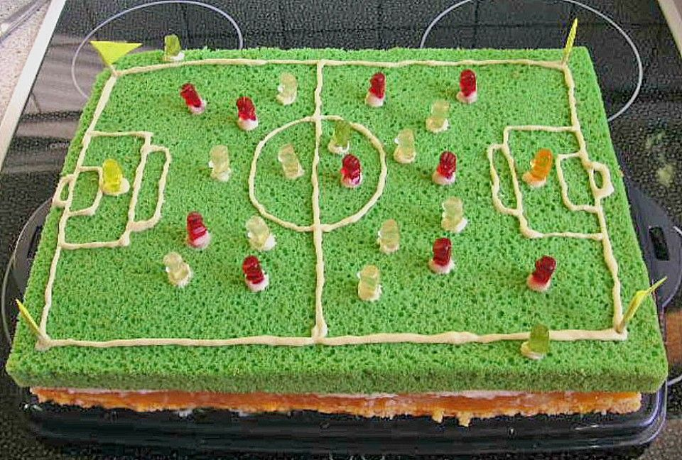 soccer kuchen bilder fu ball kuchen football torte kuchen und torte bilder in 2018. Black Bedroom Furniture Sets. Home Design Ideas