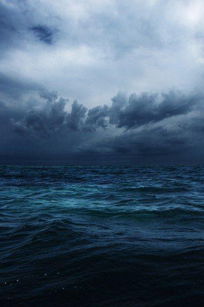 storm's a comin'.........