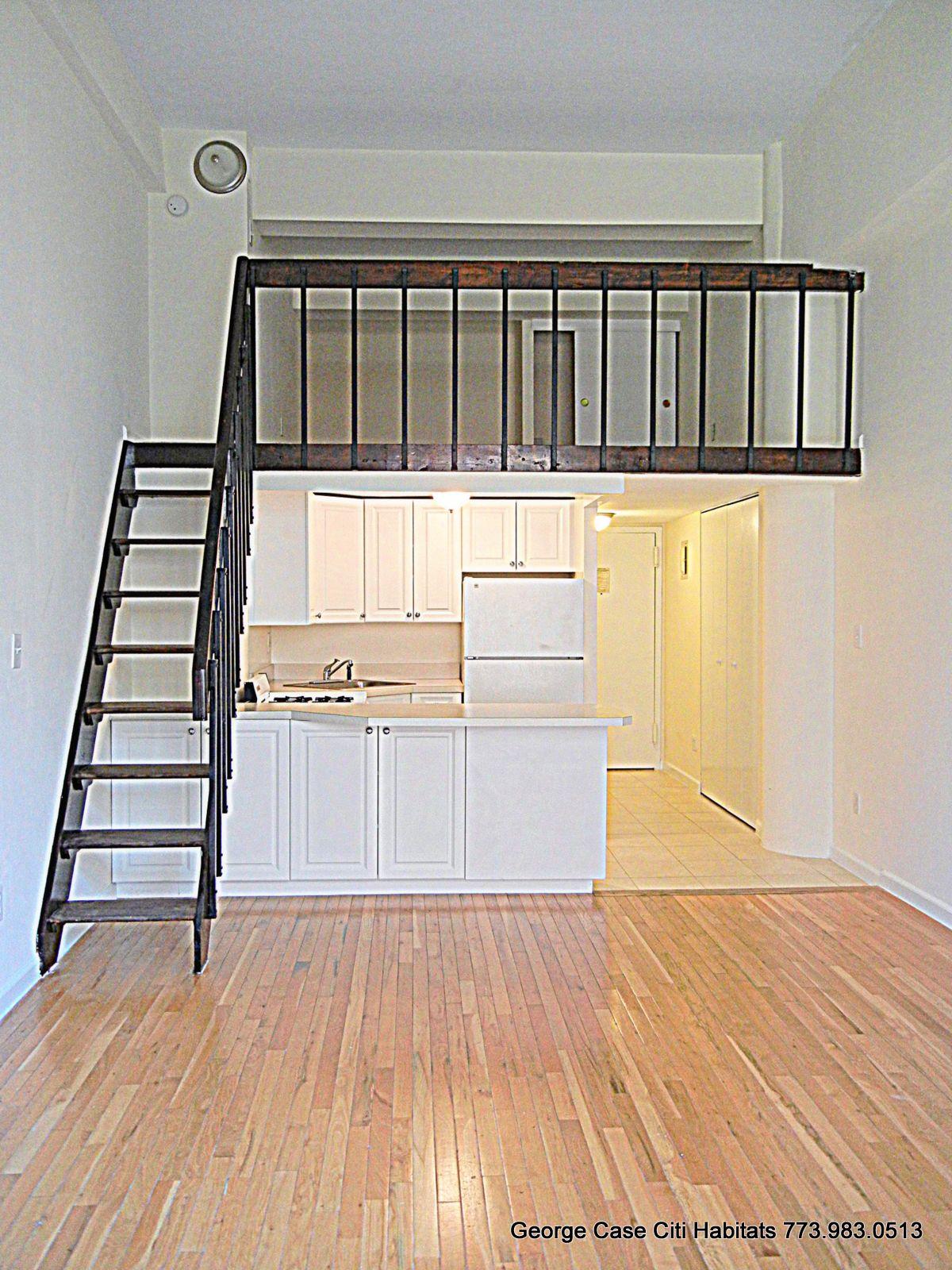 Findny The High Life Gramercy Small Loft Apartments Loft House Tiny Loft