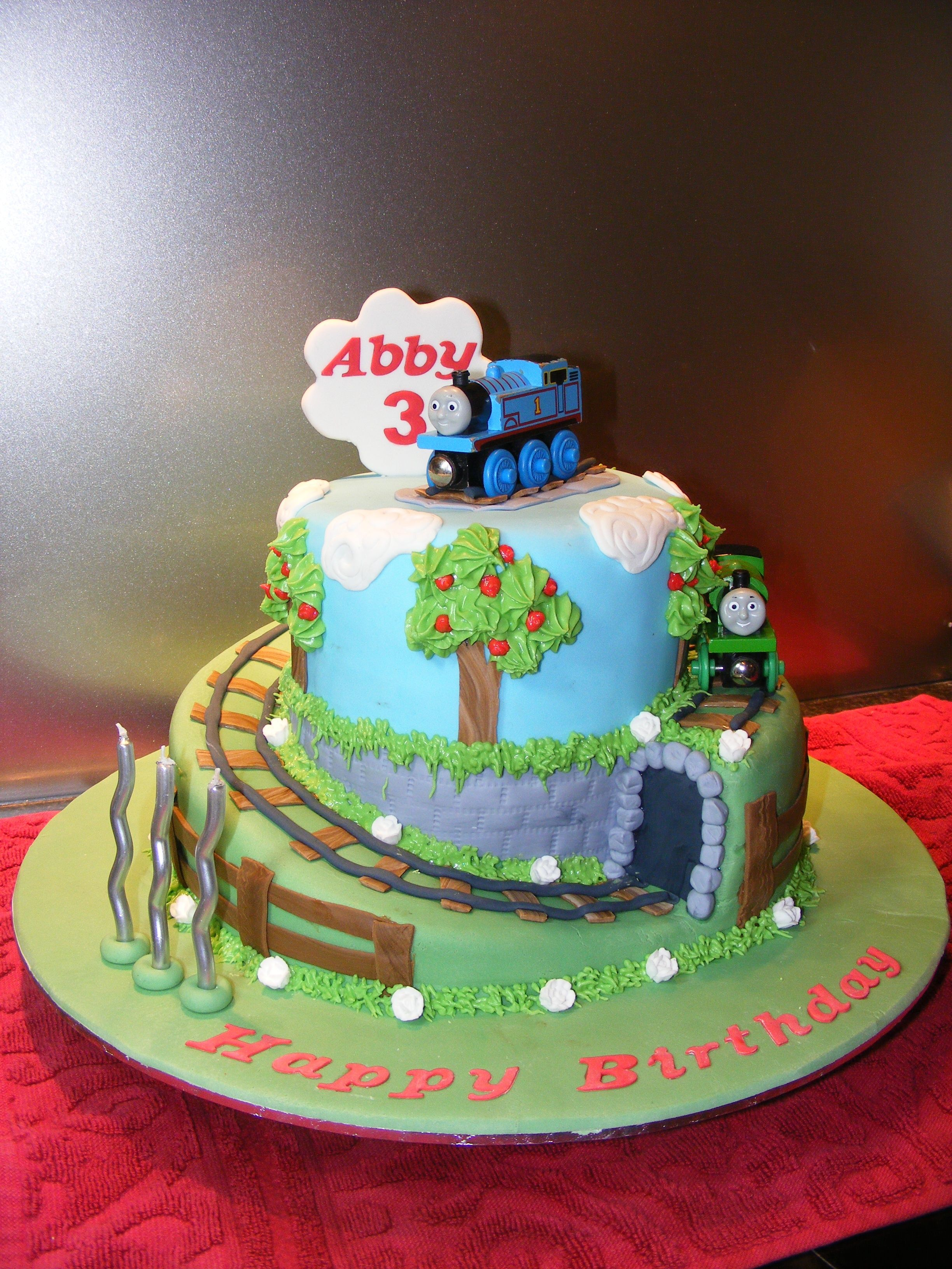 Cake Decorations Thomas The Tank Engine : Thomas the Tank Engine cake Party Ideas Pinterest ...