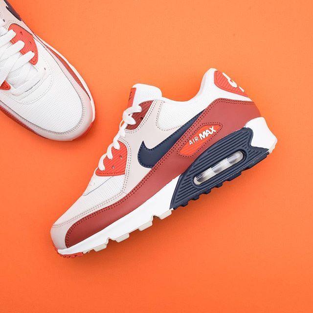 Om du gillar sneakers Nike Adidas Reebok Puma | White nike