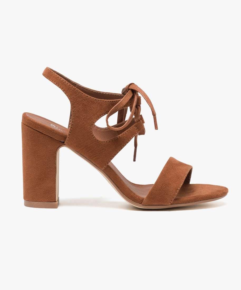 info pour fb610 af173 Ultra féminines, ces sandales unies à talon de 8 cm seront ...