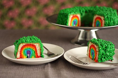Leprechaun Trap Cake - You have to see the whole thing! Leprechaun climbs the ladder to reach the gold, falls into the trap and finds a rainbow when he tries to eat his way out.