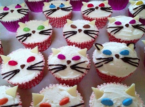 Easy Decorate Puppy Cupcakes Cat Cupcake Designs Cupcakes