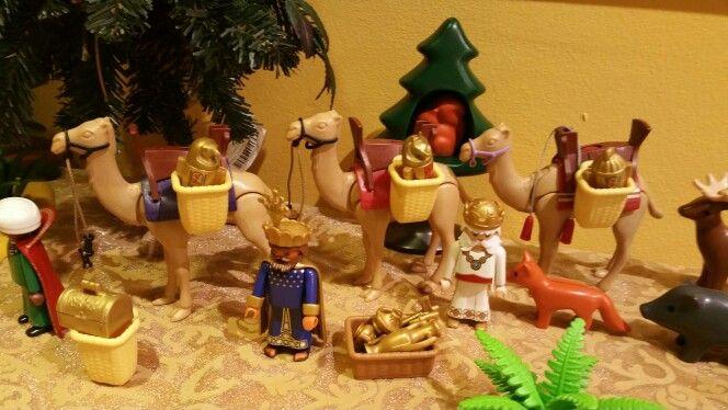 Los Reyes Magos llegando