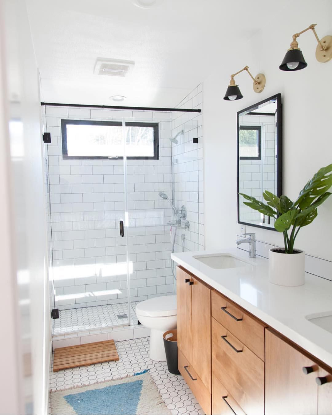 Bathrooms Of Instagram On Instagram Bathroom Transformation Shout Out By Casamochi Photo Allisonrichterpho Vanity Design Bathrooms Remodel Wood Vanity