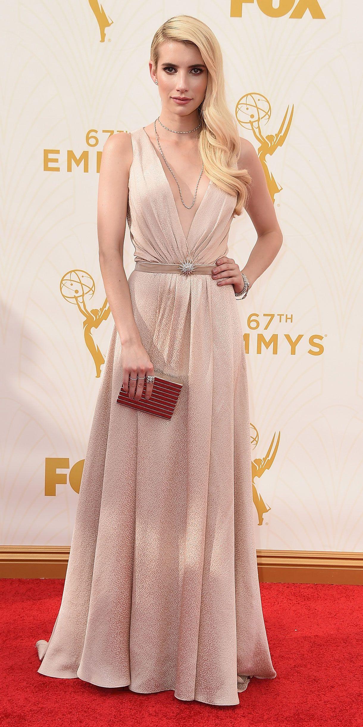 Emmys 2015 Red Carpet Arrivals | Trajes formales, Traje y Actors