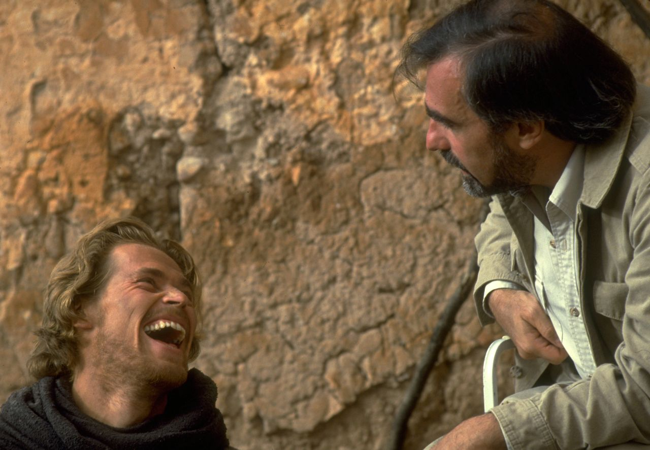 Willem Dafoe and Martin Scorsese during the production of THE LAST TEMPTATION OF CHRIST./Ph. DR