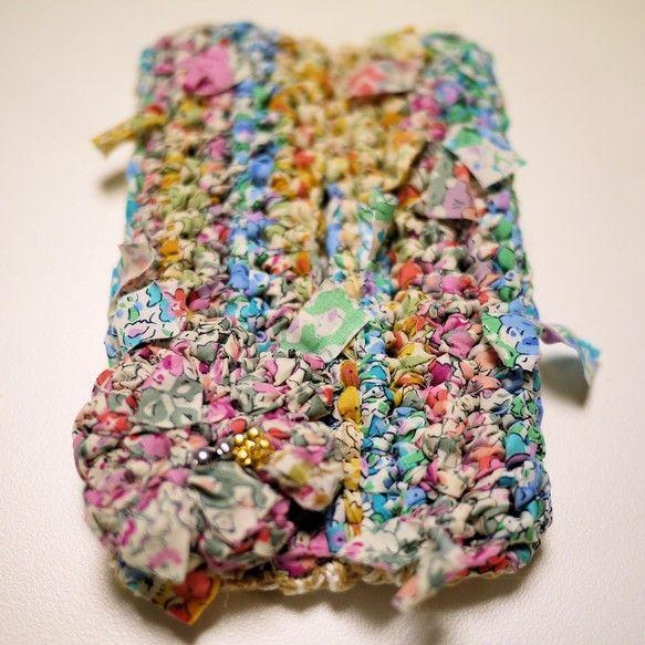日常生活でいちばんお世話になるティッシュさんのおしゃれ、忘れていませんか・・?リバティプリントの咲き編みで、絵になるティッシュケースができました。裏も、咲き編... ハンドメイド、手作り、手仕事品の通販・販売・購入ならCreema。