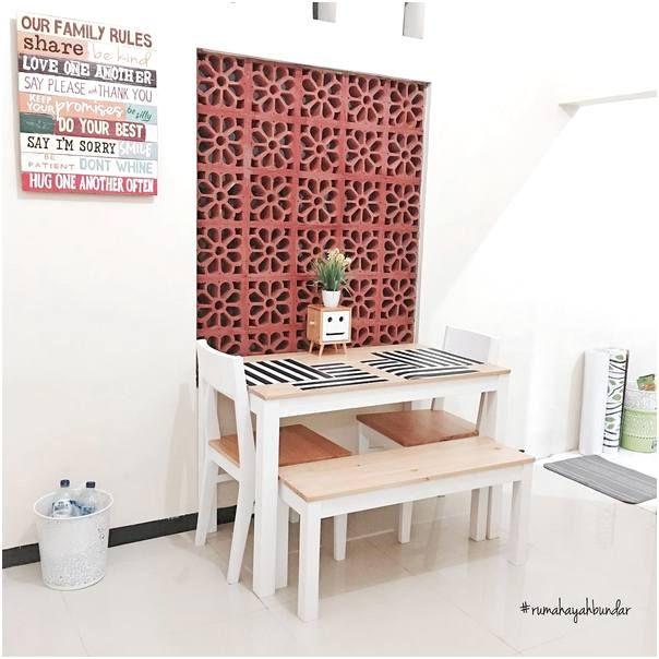 Desain Ruang Makan Dibawah Tangga